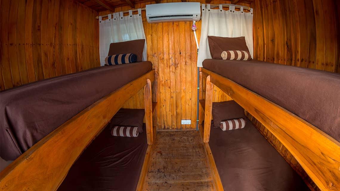 Captain Komodo Alcira Phinsi Boat Bathroom