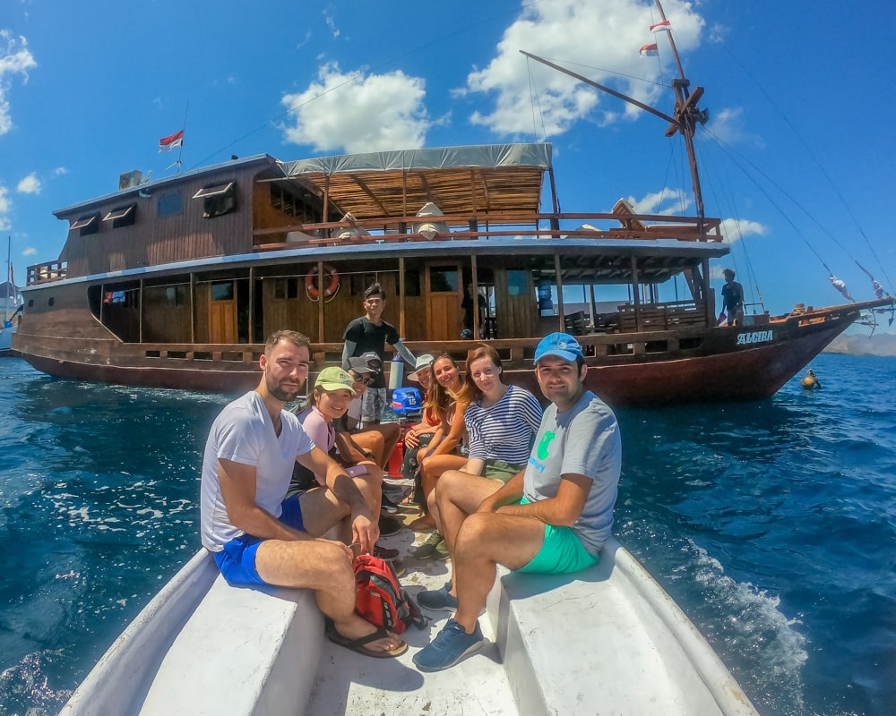 Liveaboard Komodo Happy guests